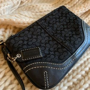 Coach authentic classic leather wristlet